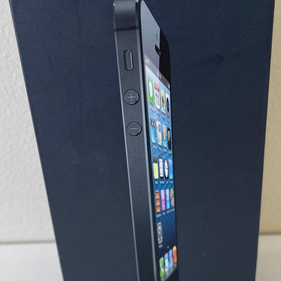 Apple iPhone 5 Empty Box 16GB Black
